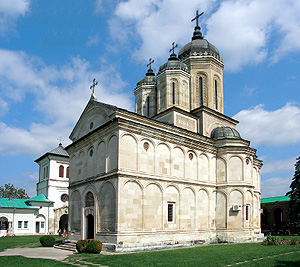Церковь в монастыре Дялу