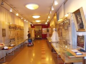 В зале музея В.И.Ленина