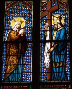 Витраж-с-изображением-Святой-Елены-и-Св-Euverte-в-Крестовоздвиженском-кафедральном-Орлеане