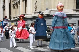 кукольные фольклорные шествия в брюсселе